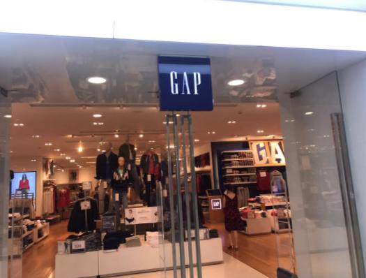 Gap品牌销售额又跌了7%  集团正考虑关掉数百家店
