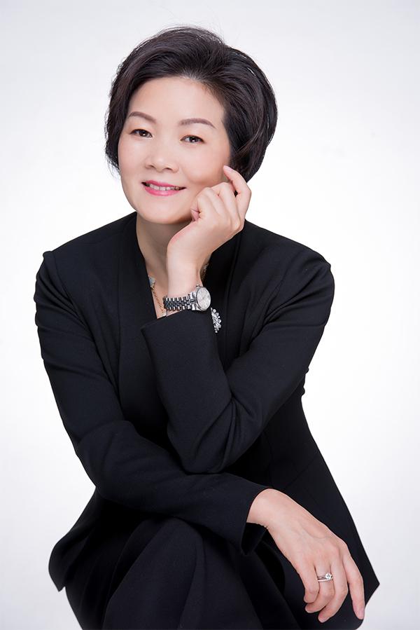 爱琴海商业集团CEO兼总裁张华容