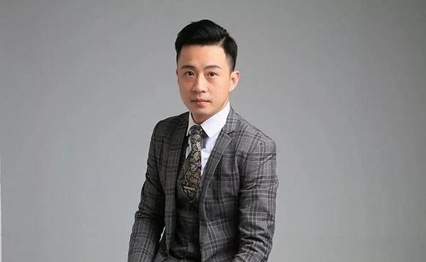 上海中原工商铺总经理孙举双