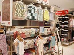 成人服装趋于饱和 优衣库、H&M、ZARA等发力童装市场