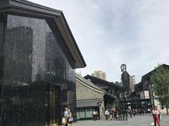 GUCCI中国第二、VERSACE中国前三……太古里大牌的销售额好得惊人