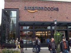 亚马逊开的线下书店有什么不一样?更像卖书的超市而非书店!