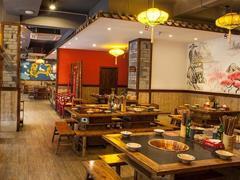 双11小龙坎天猫旗舰店线上销售突破1600万 餐饮+零售迎来转折点?