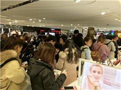 """韩媒:中国代购""""爆买""""乐天免税店 团体游客不见踪影"""