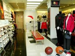 服饰零售迎来复苏的迹象 安踏体育能否借机进化?