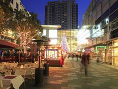 上海商圈改走文艺路线:戏剧表演、艺术小店、创意手工…