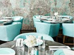 为拉拢千禧一代,Tiffany也开始营造蓝色生活方式