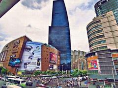 服务型消费成上海居民消费领头羊 实体店体验型作用明显