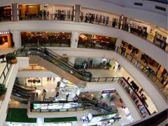扬城各大购物中心推出下半年最大折扣季 餐饮成销售冠军