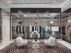 Michael Kors过度曝光走上关店之路 两年内将关闭逾百家门店