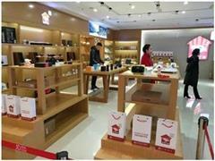 刘强东说的第四次零售革命正在京东3C线下店演练