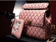 Loewe 和Dior等奢侈品牌为何纷纷七夕在线卖手袋?