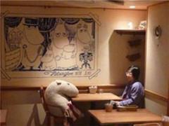 """英媒:单身食客随处可见 餐饮盯上中国""""单身""""经济"""