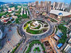 武汉商圈上半年租金为631元/�O 位列二线城市第二