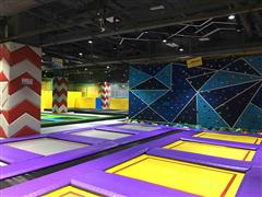 赢商品牌秀――反弹蹦床公园:玩酷体验西安首家蹦床公园