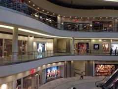 商务部:我国购物中心第二季度租赁活跃度指数环比上升0.5