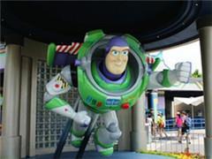 """香港迪士尼乐园""""巴斯光年星际历险""""项目关闭改建"""