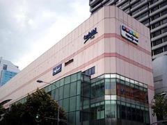 印力联合万科、凯德 斥资84亿收购国内20家购物中心