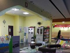 柳州原梦之岛百货5楼多家商铺门面被打砸 租期未到被要求撤场