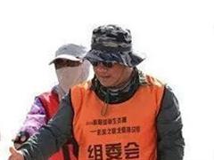 [我奋斗 我幸福]岳军:戈壁之行 让灵魂跟上脚步