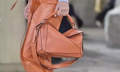 "Celine""爆款手袋""设计团队已被调至Loewe 因两个品牌风格相似?"