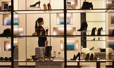 "Farfetch创始人呼吁停止""折扣大战""、奢侈品牌应该效仿Chanel"