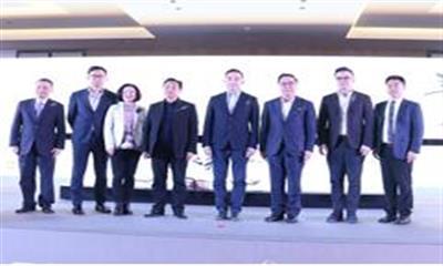王府井入滇打造全国首个奥莱3.0 昆明赛特奥莱小镇正式启幕