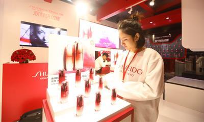 中国美妆产业千亿级成长 35年增长约850倍!