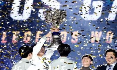 比iG夺冠更开心的是自己在B5电竞馆拿到冠军