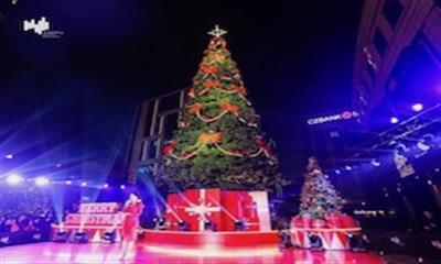 """巨型礼盒空降杭州嘉里中心 同步开启""""奇幻礼遇""""欢乐季"""
