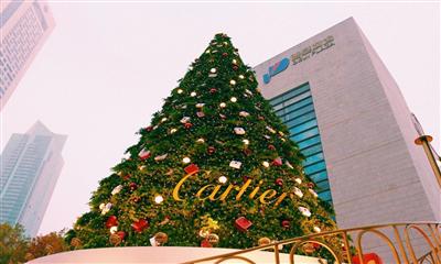 2018南京各大商场圣诞树集锦 你最喜欢哪一棵?