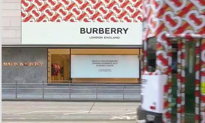传Burberry将被收购 手袋业务依旧没有起色