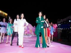 百信广场IFASHION SHOW:炫丽开启2018春季潮流时装秀