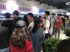 """南京""""罗森现象""""未退热 首个校内加盟店南航店开业当日销售破6万"""