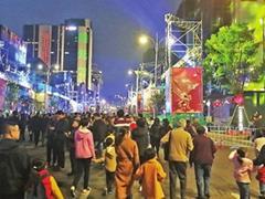 商业王者归来?东街口商圈一场活动引发百万人流