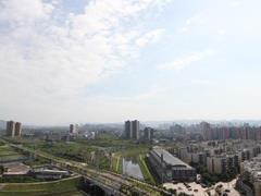 重庆68亿挂牌7宗商住地块 最高楼面价达8000元/�O