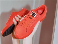 Puma第一季度净利大涨36% 联合美妆品牌MAC推出口红色鞋履