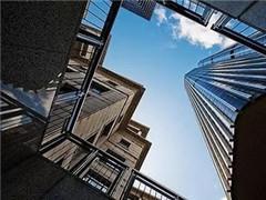 """地产股估值之辩:行业整合下的""""价值回归"""""""