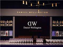 奢侈腕表销售遇冷 DW为何一年在中国开店100家?