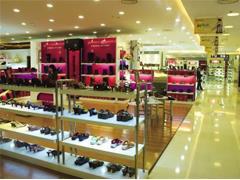 百货店调整的方向:精准定位、购物中心化、数字化营销等