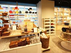 """零售业呈现""""三多""""特点 零售店需打造新营销模式"""
