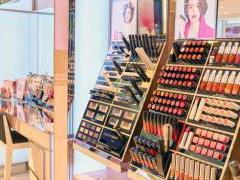 """化妆品成购物中心""""香饽饽"""" 未来国货靠什么上位?"""