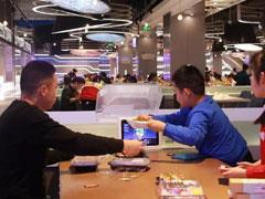 探秘盒马机器人餐厅:送餐速度平均在40秒左右