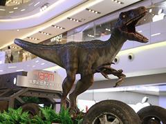 环贸iapm商场上演《侏罗纪世界2》电影主题展  恐龙旋风酷炫来袭