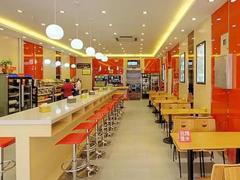 杨国福2020年要开1000家海外店 老品牌如何应对麻辣烫升级?