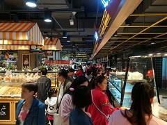 两天客流5万+ 遵义时代天街购物中心首家主力店开业