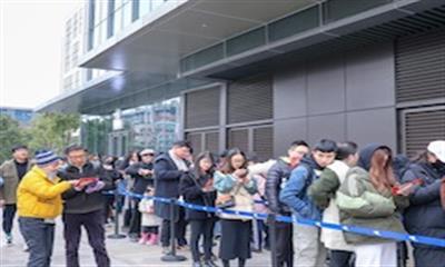 LELECHA�S�S茶首驻杭州,一城双店再次引领排队狂潮