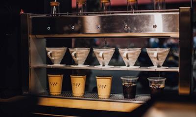 不可避免的精品咖啡战局 鱼眼咖啡连机器人都出手!