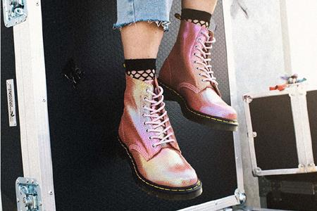 传英国马丁靴品牌Dr.Martens将被卖 估值高达12亿英镑