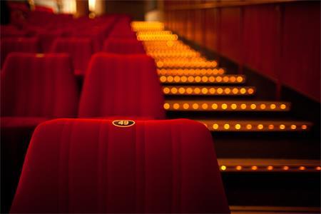 万达电影40亿可转换公司债券调减为不超过38.15亿